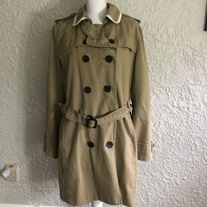 Vintage Trench Coat. Great Condition